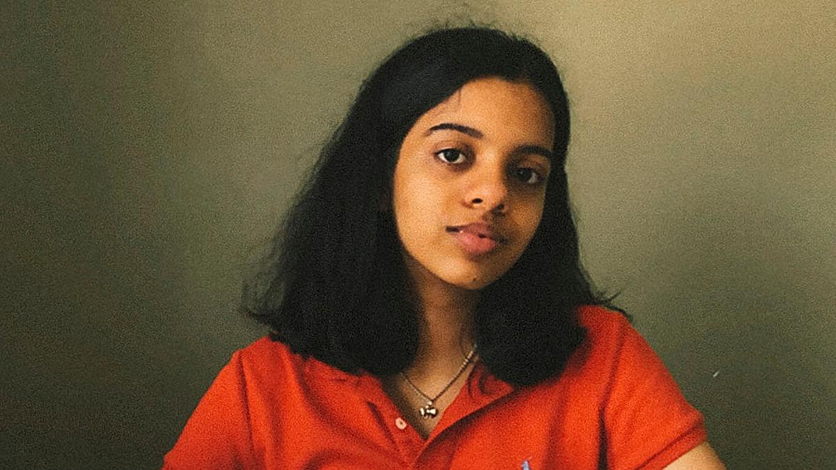 Six Feet Apart: भारतीय मूल की 15 वर्षीय छात्रा नेहा शुक्ला ने बनाया सोशल डिस्टेंसिंग मापने वाला अलार्म