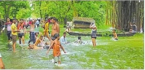 Bihar Flood Live Updates: 16 जिलों के 1232 पंचायतें बाढ़ग्रस्त, 74.19 लाख लोग पीड़ित
