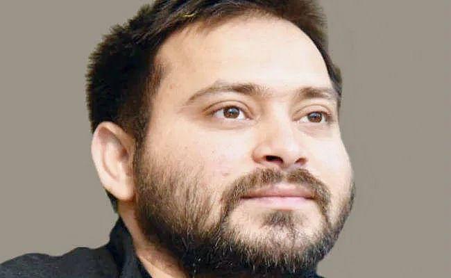 Coronavirus in Bihar Updates : स्वास्थ्य व्यवस्था को लेकर लालू और तेजस्वी ने कसा तंज, ट्वीट कर कहा...