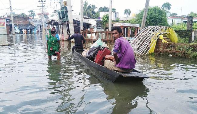 दरभंगा शहर में घुसा बागमती का पानी, कई मोहल्लों की स्थिति भयावह, बारिश के अलर्ट से सहमे लोग