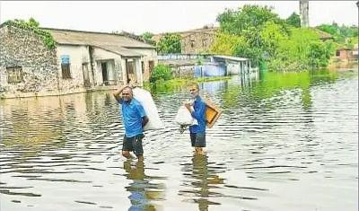 समस्तीपुर में बलान का कहर जारी, दर्जनों गांव के सैकड़ों घरों में घुसा पानी