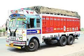 30 टन चावल ले जा रहा ट्रक पकड़ाया, निजी बोरा में डालकर जिले के बाहर बेचने की थी तैयारी