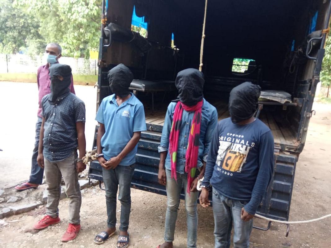 अमन साव व सुजीत सिन्हा गिरोह के चार अपराधी को लातेहार पुलिस ने किया गिरफ्तार, नक्सली संगठन टीपीसी से भी है संबंध