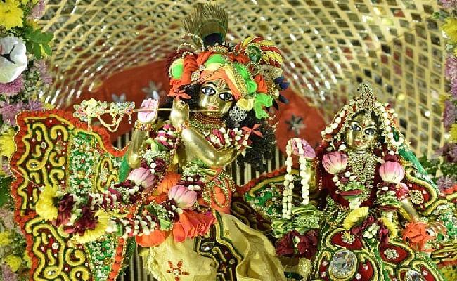 Krishna Janmashtami Vrat 2020 : नंद के आनंद भयो जय कन्हैया लाल की जयकारों से गूंजा मथुरा