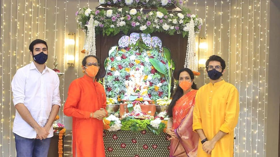 Ganesha Chaturthi 2020: राजनेताओं ने ऐसे किया विघ्नहर्ता भगवान गणेश का स्वागत, देखें तसवीरें