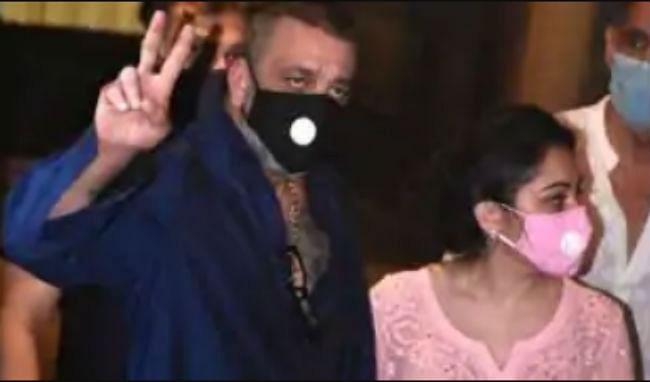 Sanjay Dutt Health News: संजय दत्त की तबीयत को लेकर उड़ रही अफवाहों पर करीबी दोस्त ने लगाया विराम, कही ये बात
