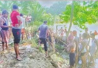 Flood in Bihar : दरभंगा में दो जगहों पर टूटे बागमती के बांध, जानें कहां कहां फैला पानी