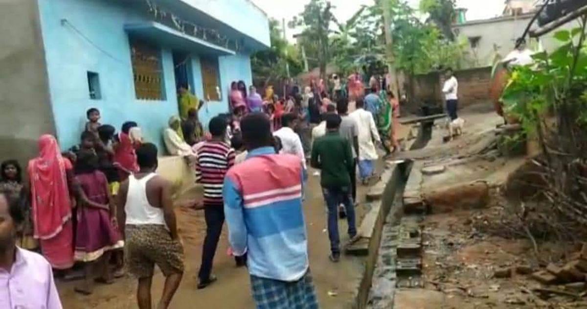 Jharkhand News: पत्नी की गला रेतने के बाद मां को रॉड से पीट-पीटकर मार डाला