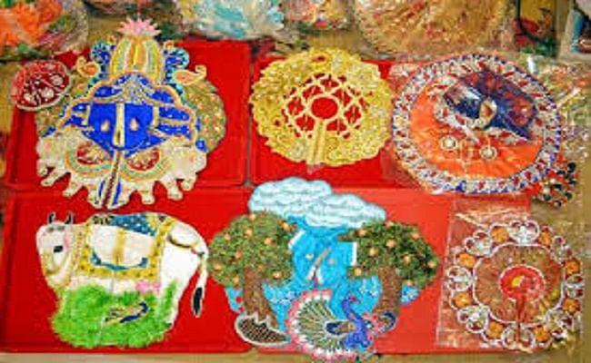 Krishna janmashtami: वृंदावन में तैयार ठाकुरजी के पोशाक की बढ़ी विदेशों में डिमांड, जानें यूएसए, कनाडा और आस्ट्रेलिया समेत किन देशों से आ रहा है सबसे अधिक आर्डर