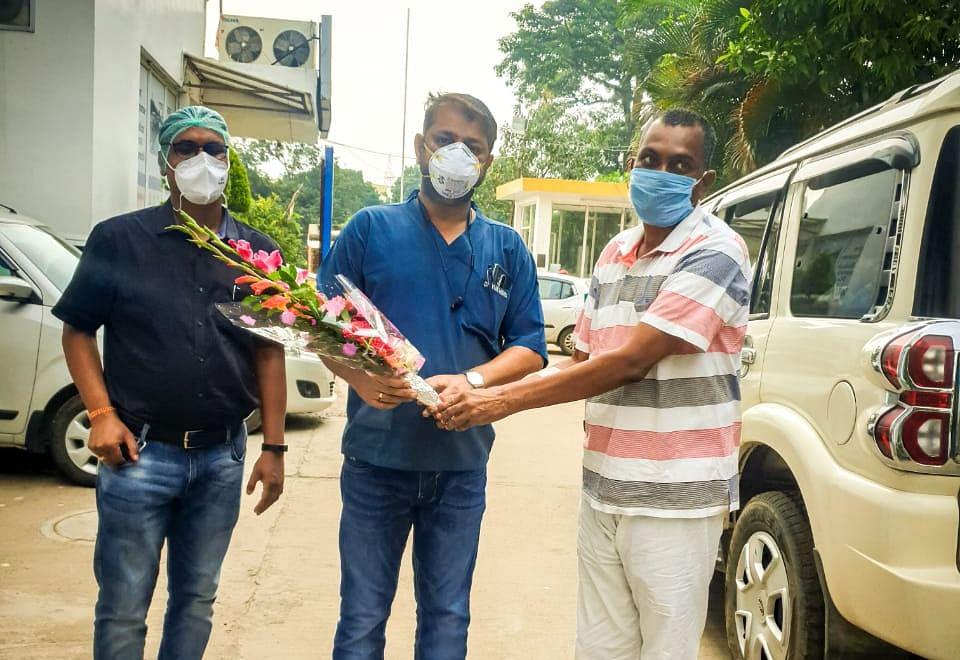 Coronavirus In Jharkhand LIVE Update : डॉ लंबोदर महतो को अस्पताल से मिली छुट्टी