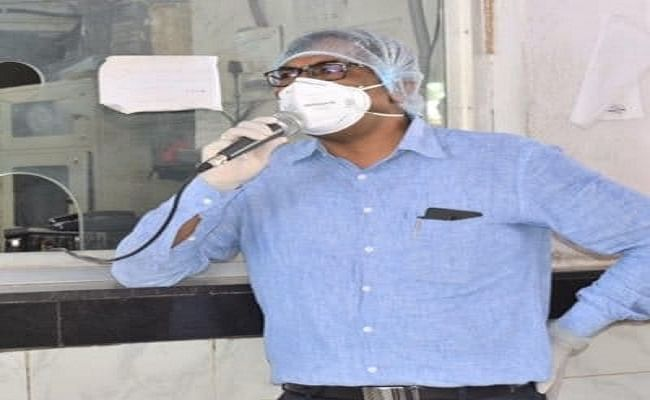 COVID-19 Bihar: पटना डीएम कोरोना पॉजिटिव, सहकर्मियों में संक्रमण फैलने पर भी काम करते रहकर पेश की थी मिशाल