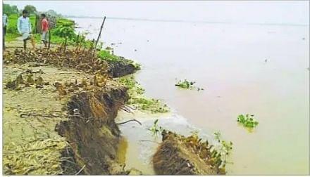 गंगा, कोसी, बरंडी व कारी कोसी नदी में उफान, निचले इलाके में फैला बाढ़ का पानी