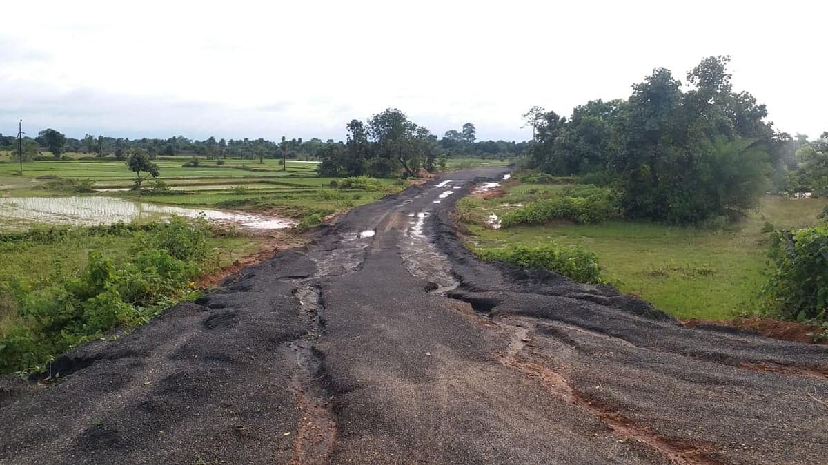 Indian Railways News: मुआवजा नहीं मिलने पर झारखंड के तीन गांवों में रेल लाइन का काम बंद