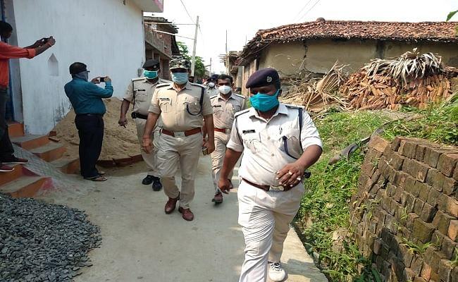 Bihar Crime News : प्रेमी के घर पहुंची प्रेमिका ने साथ लौटने से किया इनकार, तो भाई ने चाकू से गोद कर दोनों को मार डाला
