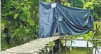 Flood in Bihar : एक ही तंबू में रहता है पूरा परिवार, सोशल डिस्टेसिंग से ज्यादा है यहां शौच की चिंता