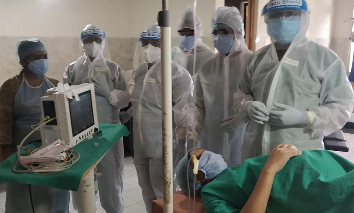 Jharkhand Coronavirus LIVE Updates : बोकारो सदर अस्पताल में पीपीई किट पहनकर डॉक्टरों ने कराया प्रसव.
