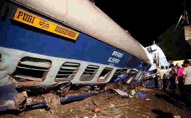2017 का कलिंग उत्कल ट्रेन हादसा : रेलवे के पांच अफसरों को कोर्ट के सामने पेश होने का नोटिस