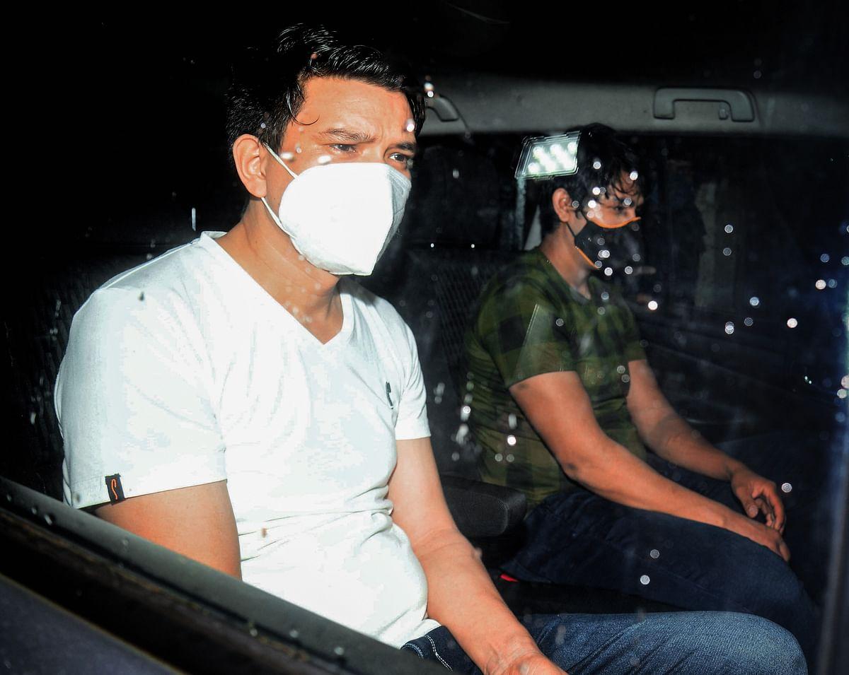 घरवालों को थी सुशांत को ड्रग्स दिए जाने की खबर? सिद्धार्थ पिठानी से पांच दिन लगातार पूछताछ में क्या निकला?