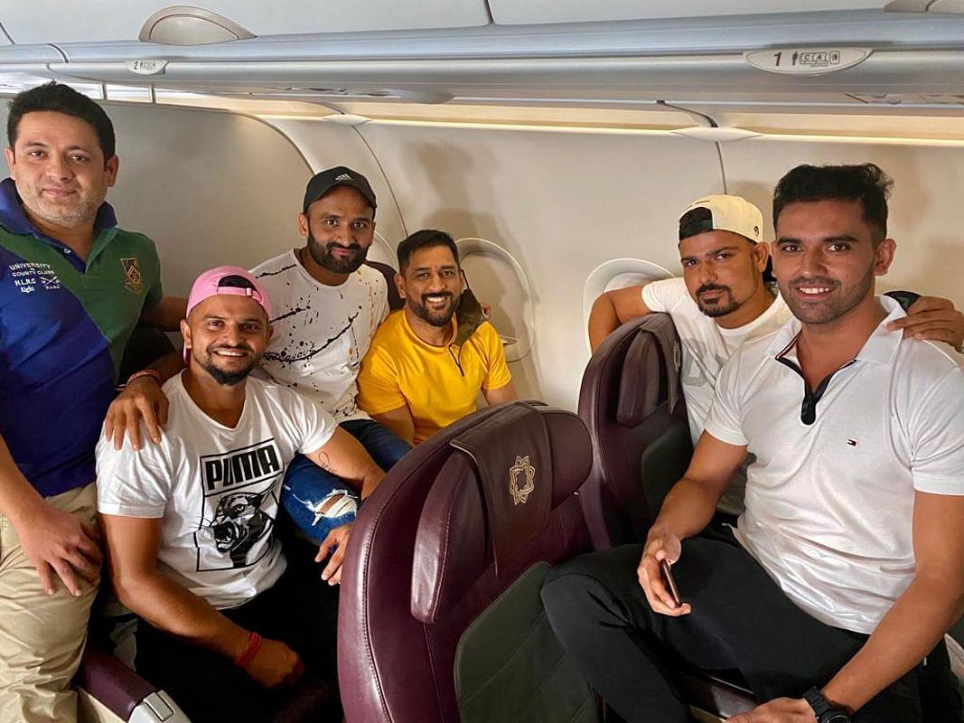 IPL 2020: रांची से चेन्नई पहुंचे महेंद्र सिंह धौनी, फिर होगी कोरोना की जांच