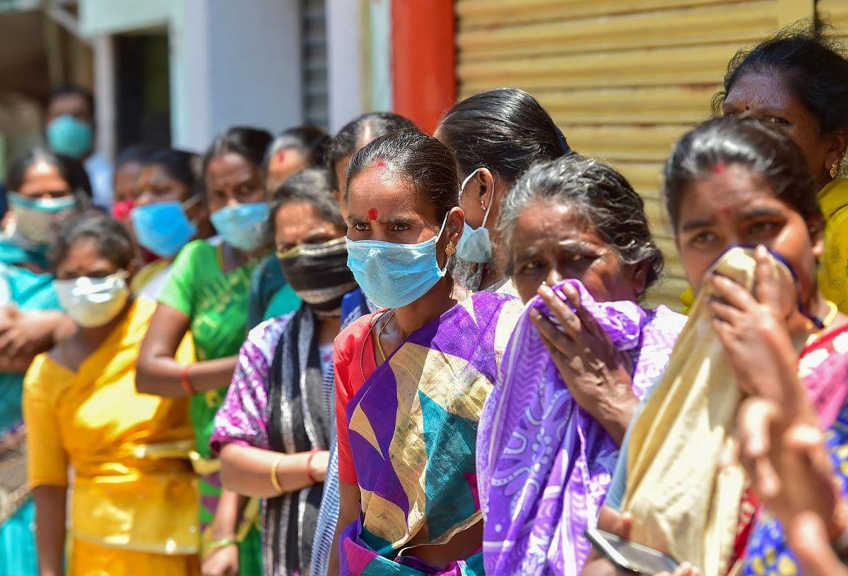 Coronavirus in UP: यूपी में अनलॉक के 61 दिनों में 11 गुना बढ़े कोरोना संक्रमित, 89 हजार पार हुई मरीजों की संख्या