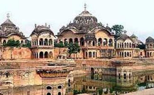 Krishna Janmashtami 2020:  जन्माष्टमी के जश्न पर कोरोना का ग्रहण, इस बार मथुरा में श्रीकृष्ण भक्त मंदिर में नहीं कर सकेंगे प्रवेश