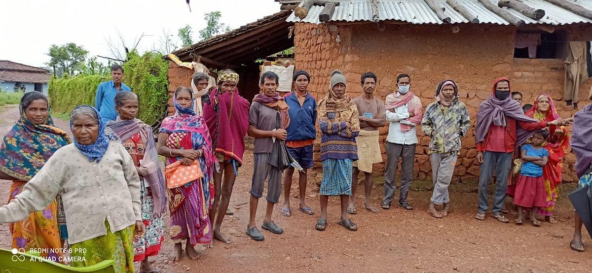 न शौचालय है, न बिजली, मोबाइल नेटवर्क, पक्का घर और न स्वास्थ्य सुविधा, यह है झारखंड के टुटुवापानी गांव की कहानी