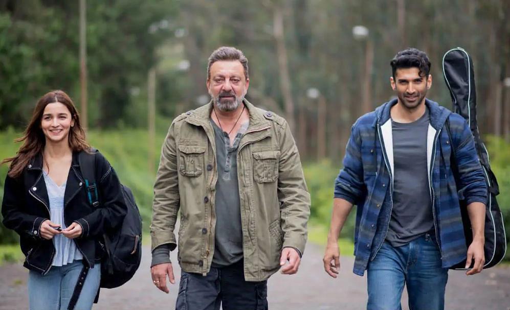 Sadak 2 Review: दर्शकों को पसंद नहीं आई महेश भट्ट की सड़क 2, कहा- क्या बकवास मूवी है...