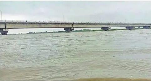 Bihar flood 2021 : गंगा, कोसी के जलस्तर में जारी है वृद्धि, महानंदा के जलस्तर में आयी कमी