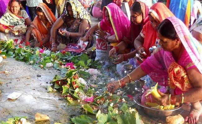 Jivitputrika Vrat 2020 Date: जितिया व्रत से पूर्व क्यों खाई जाती है मछली, जानिए इस दिन मड़ूआ की रोटी, झिंगनी की सब्जी और नोनी की साग खाने की क्यों है परंपरा