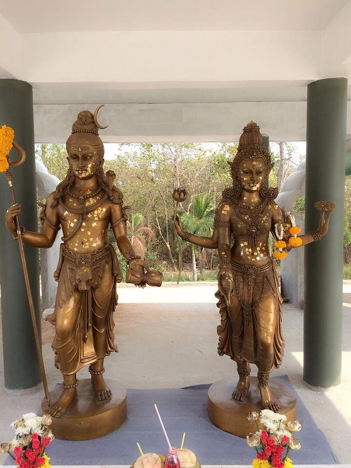 भगवान शिव और माता पार्वती की मूर्ति (फाइल फोटो)