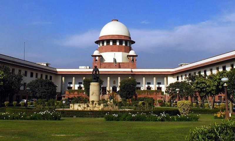 Supreme court News: कोर्ट में वकील को भारी पड़ी उसकी चुप्पी, 3 बार माफी मांगने पर भी जजों ने नहीं दिखाई दया