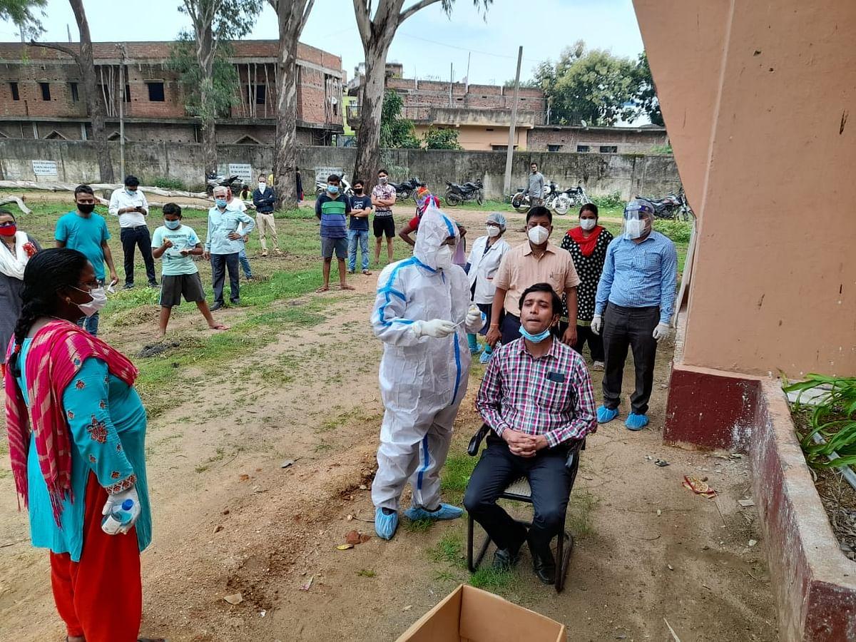 झुमरीतिलैया में एलआइसी एजेंट की मौत, जांच में हुई कोरोना की पुष्टि
