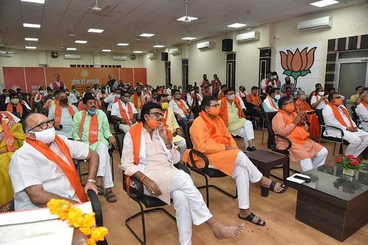 Rajasthan Crisis : अब बीजेपी को सता रही टूट का डर, 12 विधायकों को किया गुजरात शिफ्ट