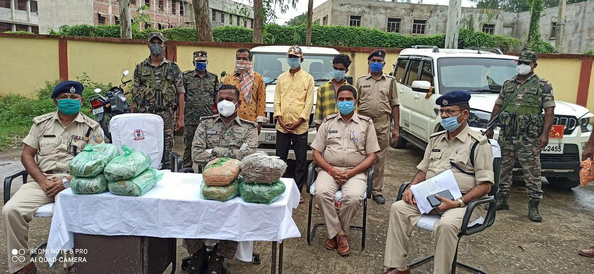 Jharkhand News : नशे के कारोबारियों के खिलाफ कार्रवाई, गुमला के सबसे बड़े गांजा तस्कर समेत दो गिरफ्तार