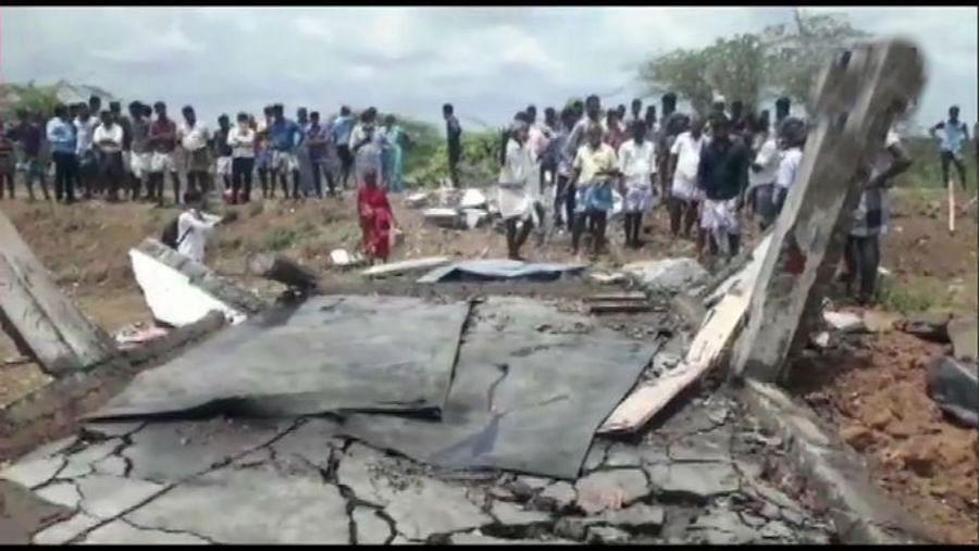 तमिलनाडु के पटाखा फैक्ट्री में ब्लास्ट, नौ की मौत कई घायल, धमाके के कारणों की हो रही जांच