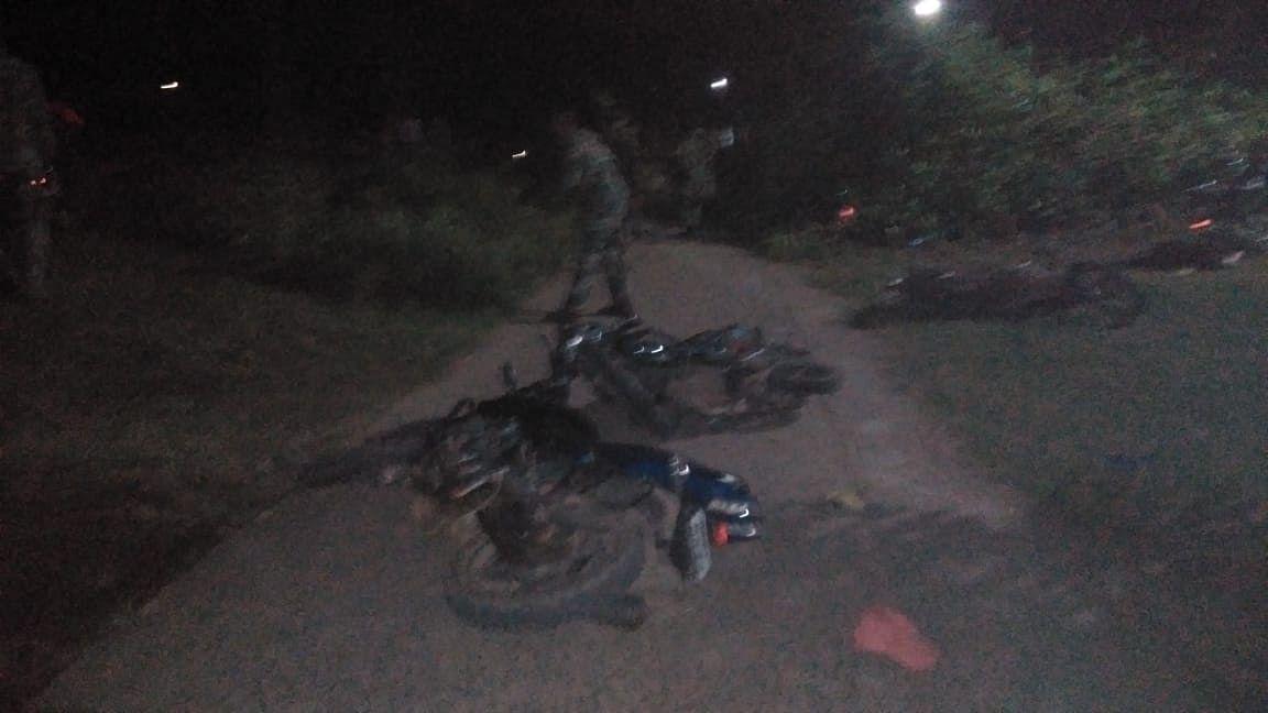 पुलिस की ओर से गुरुवार की रात को हुए लाठीचार्ज के बाद की स्थिति.