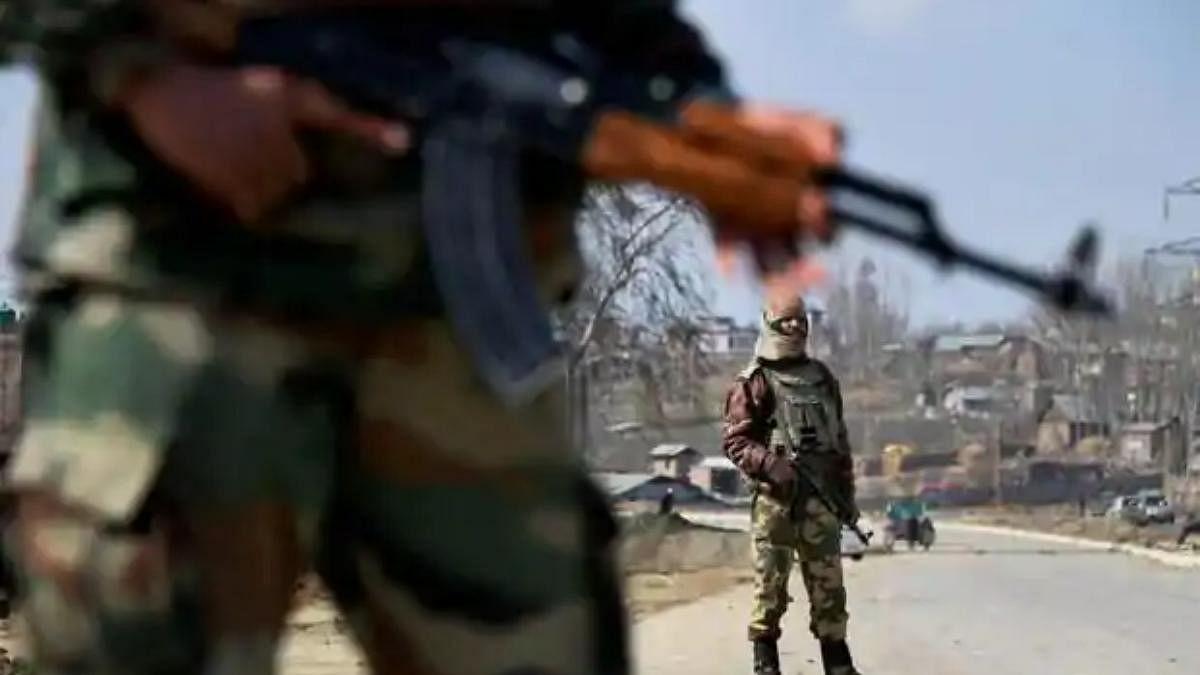 शोपियां एनकाउंटर: अधिकारी और जवानों पर केस चलाएगी सेना, तीन लोगों की गई थी जान
