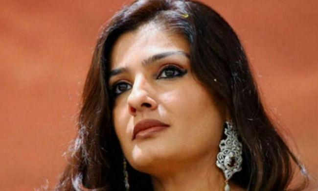 Bollywood Drugs Connection: बोलीं रवीना टंडन- सेलेब्स सॉफ्ट टारगेट होते हैं, बिना अथॉरिटी के आशीर्वाद के ड्रग...