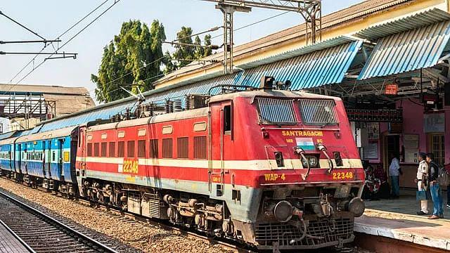 Fact Check: रेलवे द्वारा 1.5 लाख पदों पर भर्ती के लिए आयोजित की जा रही परीक्षाएं रद्द? जानें दावे की सच्चाई