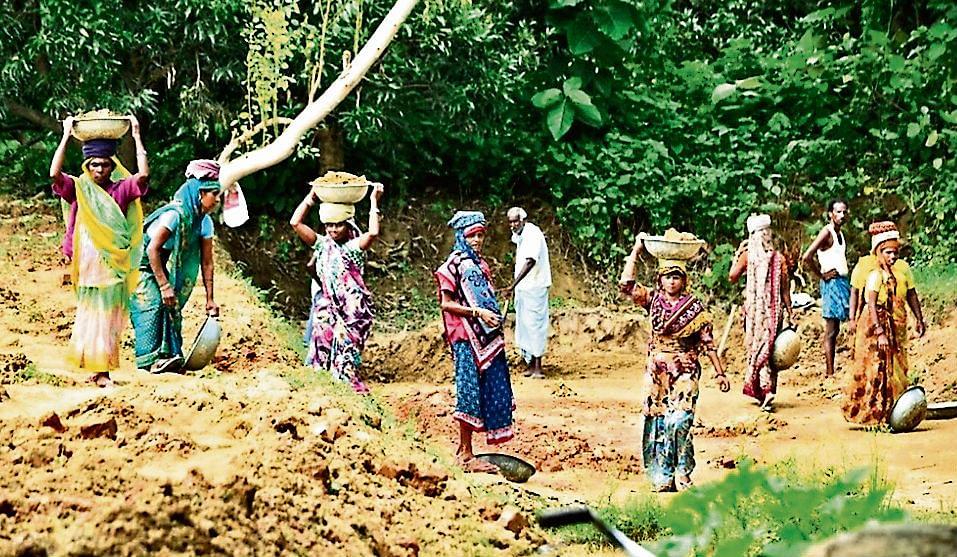 खूंटी के 70 गांवों में दोहराया जा रहा है आरा-केरम गांव का मॉडल