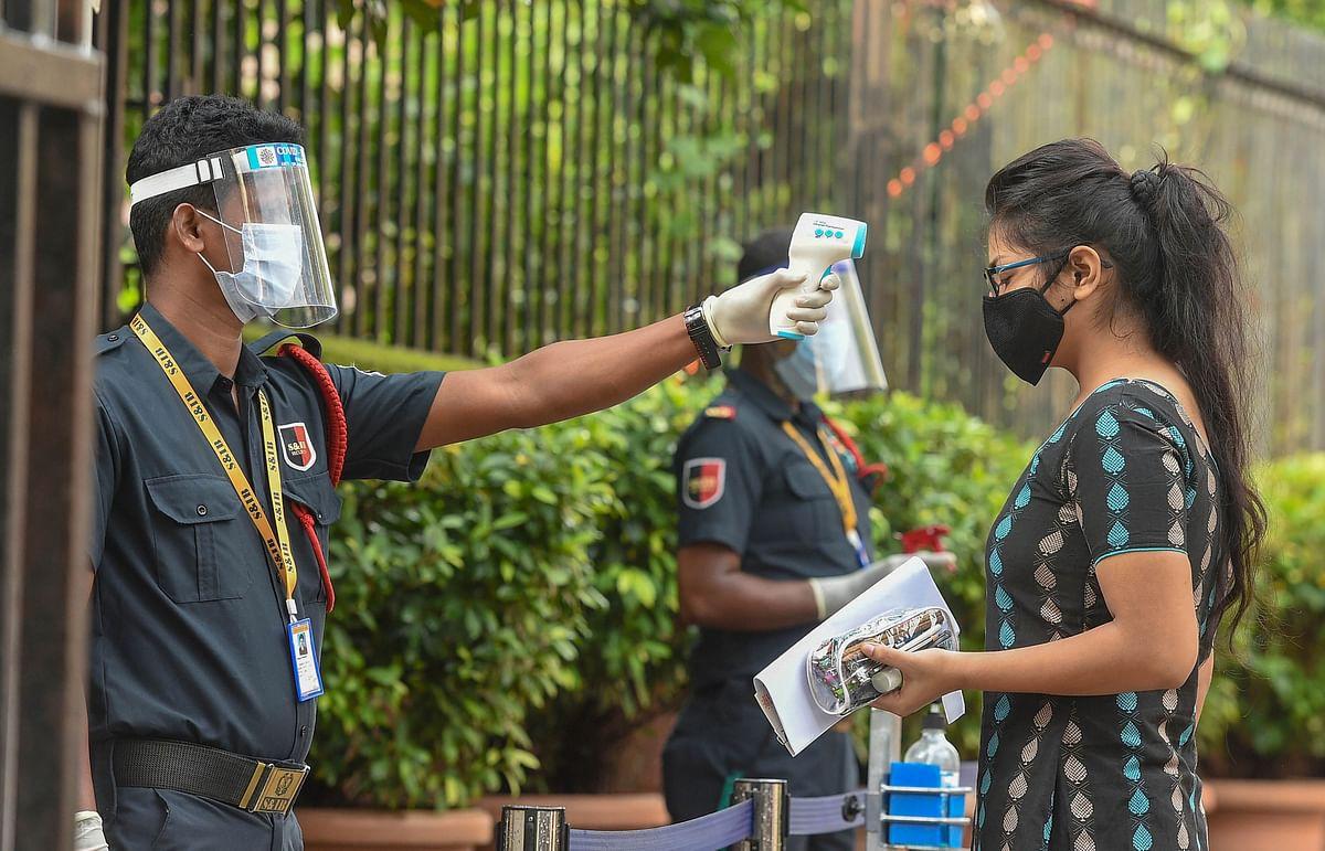 बंगाल में फिर बढ़ा कोरोना का ग्राफ, 24 घंटे में मिले 3042 संक्रमित, डॉक्टर समेत 58 लोगों की मौत