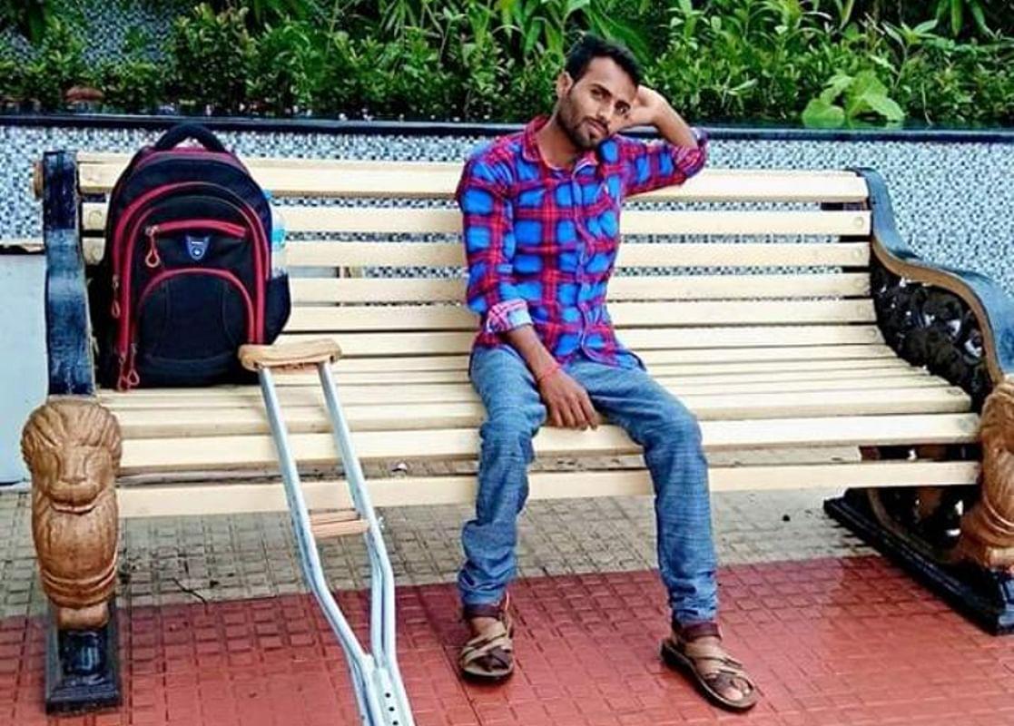 फेसबुक पर टिप्पणी ने दिव्यांग कुरील कुमार को पहुंचाया जेल, बैसाखी छीनने पर गढ़वा जेल अधीक्षक को नोटिस