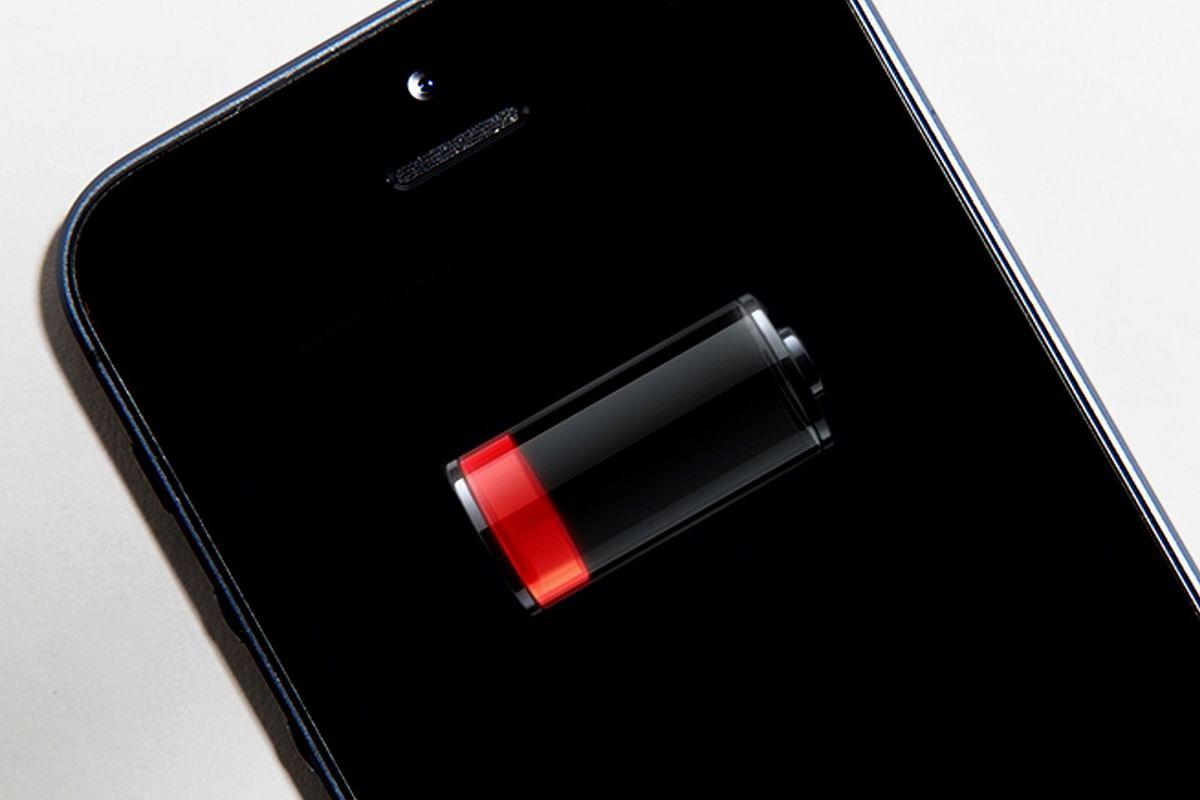 Tech Tips: कहीं गूगल प्ले स्टोर तो नहीं चूस ले रहा आपके स्मार्टफोन की सारी बैटरी? ऐसे करें फिक्स
