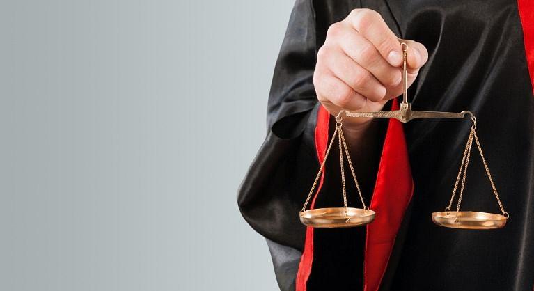 77 साल की महिला करनी चाहती हैं कानून की पढ़ाई, जानिए क्यों सुप्रीम कोर्ट में दायर की याचिका