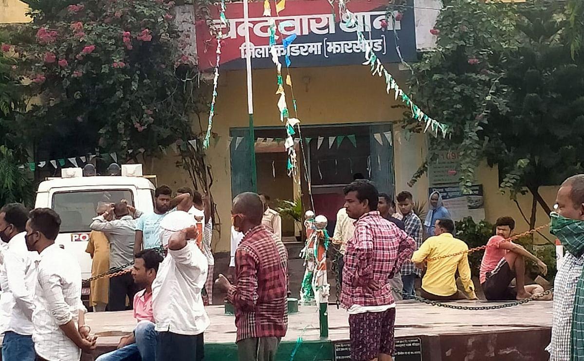 चंदवारा में युवक की हत्या कर शव को पुलिया के पास फेंका, पत्नी से पुलिस कर रही पूछताछ