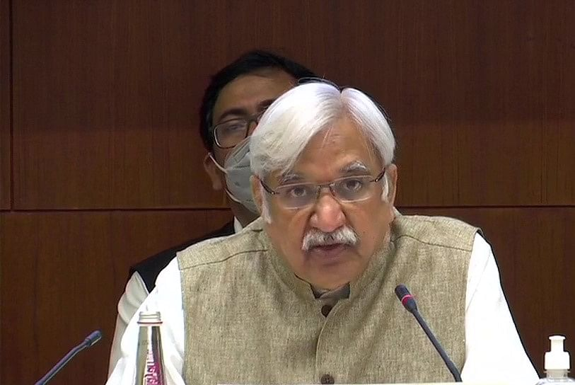 Bihar Vidhan Sabha Election Date 2020: डेढ़ गुना मतदान केंद्र, लाखों पीपीई किट-मास्क के साथ बिहार में वोट का अधिकार प्रयोग करेगी जनता