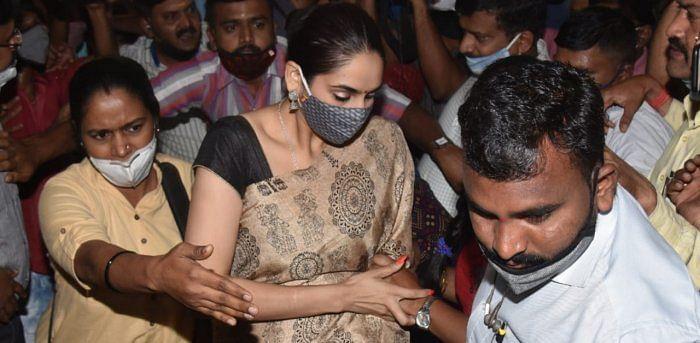 ड्रग्स मामला: कन्नड़ अभिनेत्री रागिनी द्विवेदी व संजना गलरानी पांच दिन की रिमांड पर
