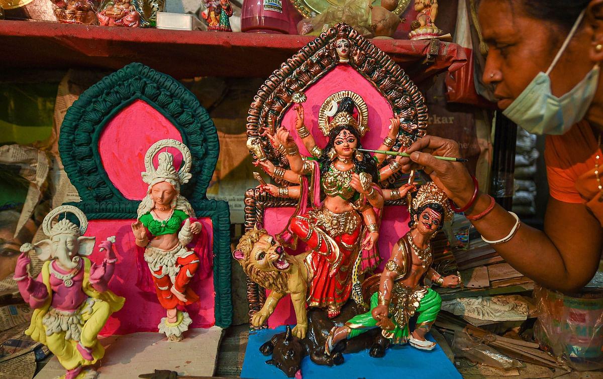 Durga Puja 2020: सादगी से दुर्गा पूजा मनाने की तैयारी, 25 सितंबर को बैठक करेंगी मुख्यमंत्री ममता बनर्जी