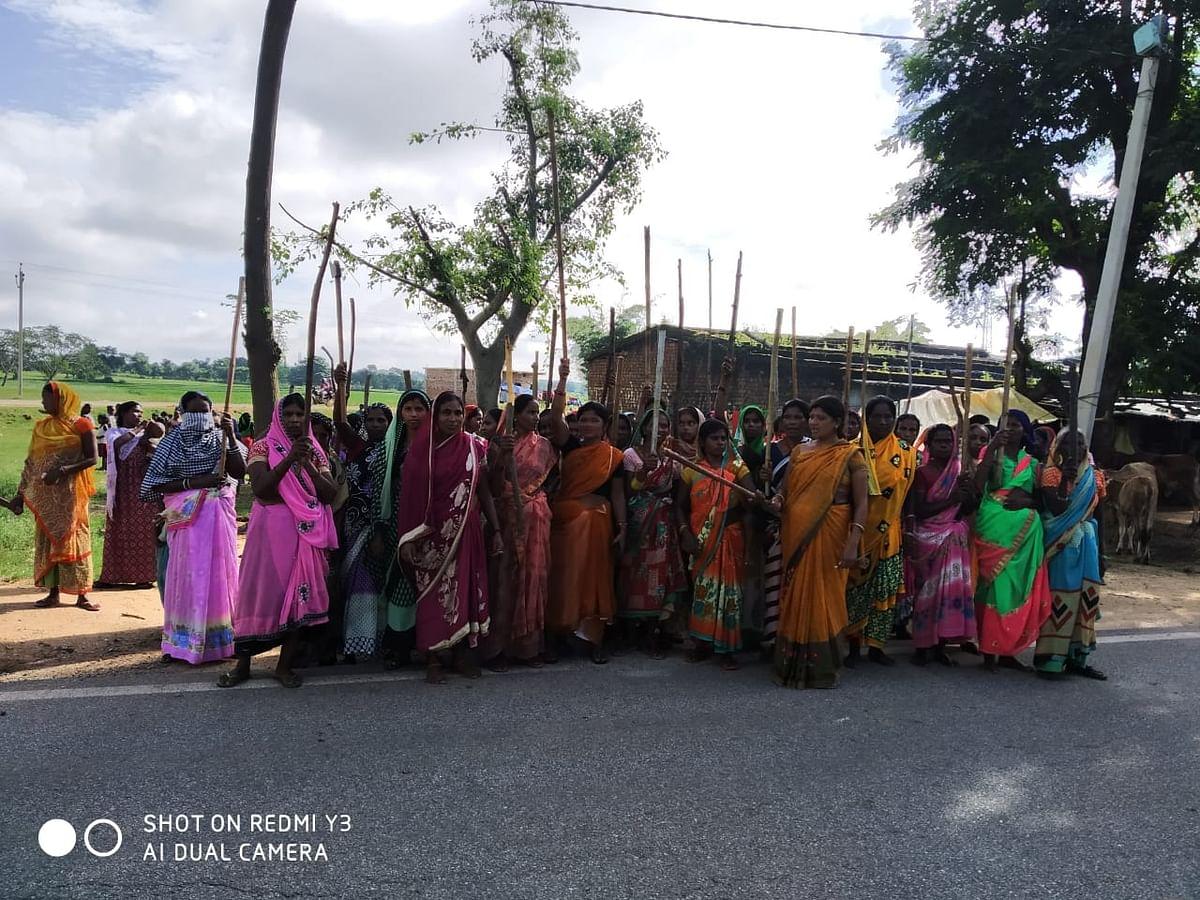 Jharkhand News : झारखंड के इस कुख्यात नक्सली को महिलाओं ने पीट-पीटकर मार डाला, 20 से अधिक गांवों में था आतंक
