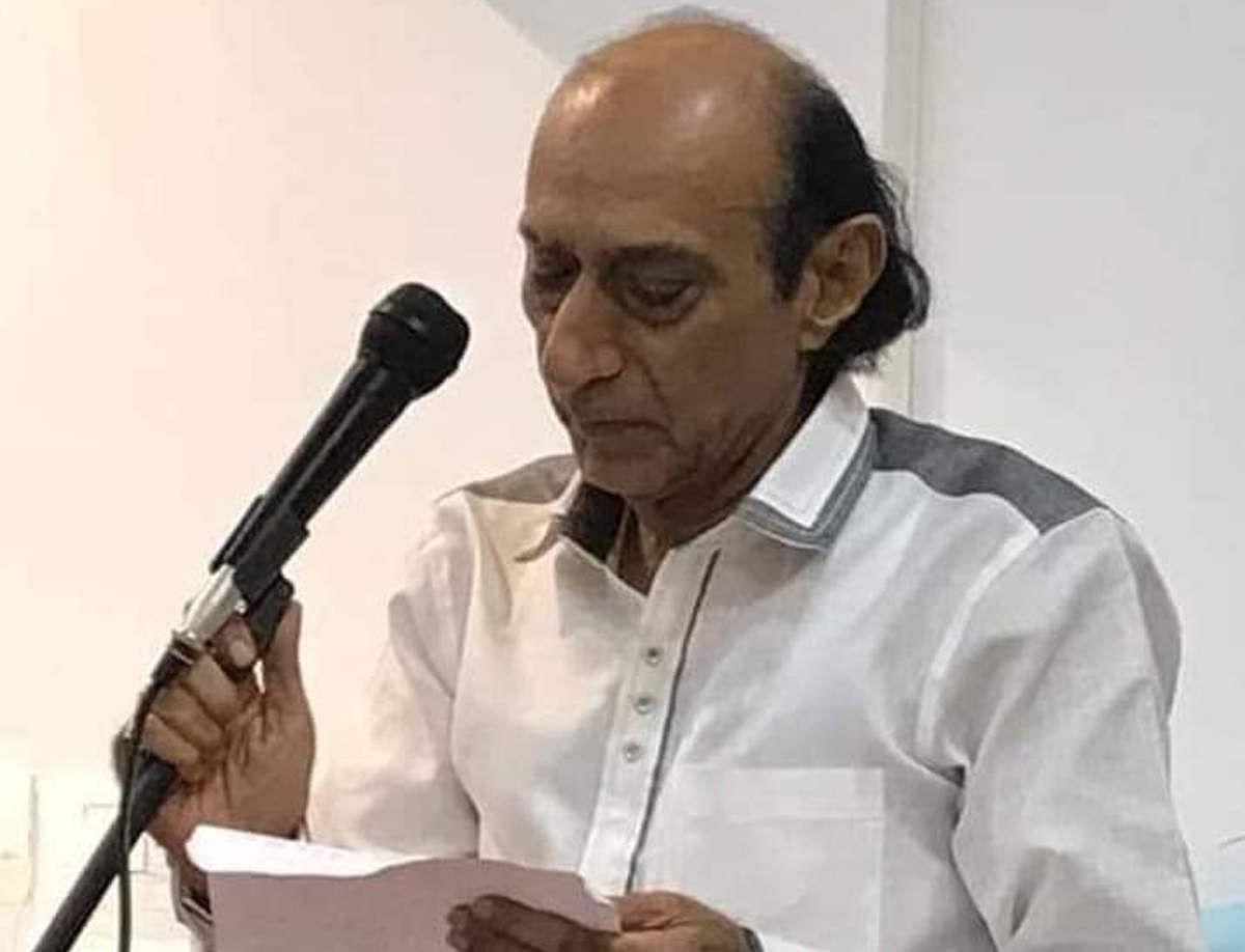Lyricist Abhilash Death: दिग्गज गीतकार अभिलाष का कैंसर से निधन, 'इतनी शक्ति हमें देना दाता' से मिली थीं पहचान